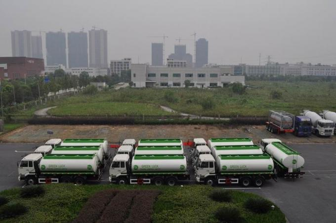 5,944 US Gallon 320HP Aluminum Alloy Oil Tank Truck with 6x4 DongFeng Nissan Diesel Chassis